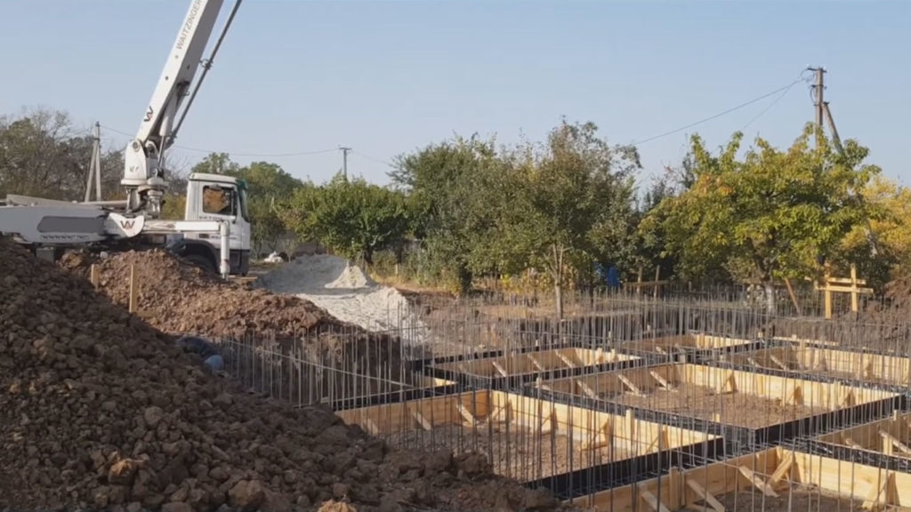 Укладка-бетона-бетононасосом-2